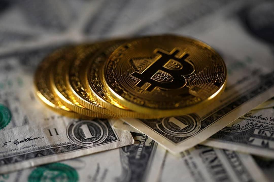 1 BTC ve 1 ABD Doları