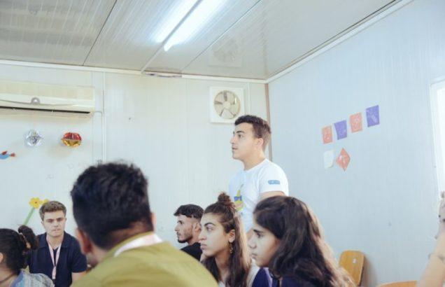 Suriyeli Mülteci Genç Kampta Kripto Para Birimlerini Anlatıyor