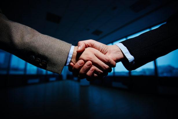 handshake businessmen