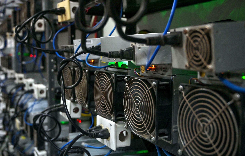 kuzey amerikali bitcoin madencileri 18 000 btc stoklarken rekor aylar yasiyor